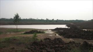 The dam being built at Jamdoba in West Midnapore