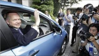 William Hague drives a Nissan Leaf