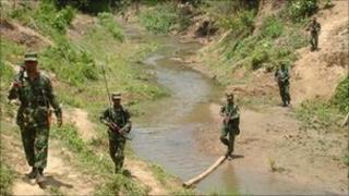 Bangladeshi army on manoeuvres