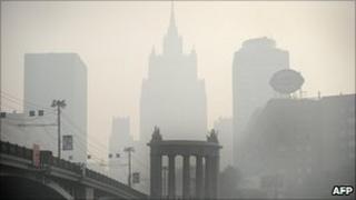 Smog shrouds Moscow, 2 Aug 10