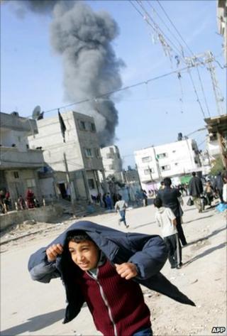 Israeli airstrike on Rafah in the Gaza Strip, 5 January 2009