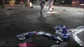 Investigators check Zamboanga airport for clues to the bombing 5 Aug 2010