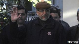 Fernando Lugo leaving hospital on 6 August 2010