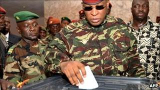 General Sekouba Konate casts his ballot on June 27, 2010