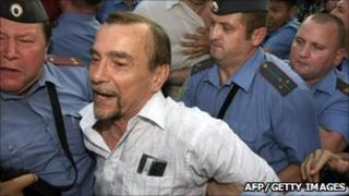 Police detain Russian human rights activist Lev Ponomarev, 12 Aug 10