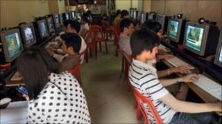 File image of internet shop in Hanoi