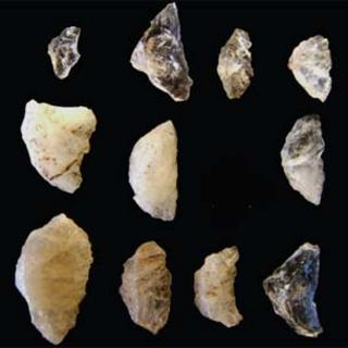 Arrow heads (Image: M Lombard/Antiquity)
