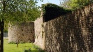 Chichester City Wall