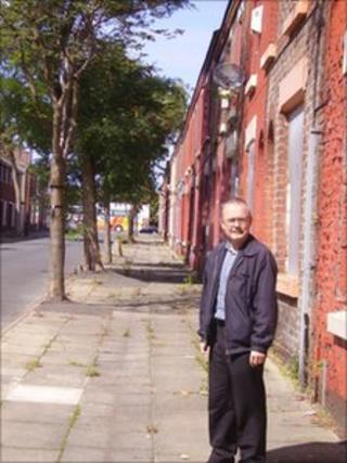 John O'Sullivan in Madryn Street