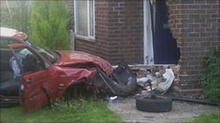 Car crashes into house in Wollaton
