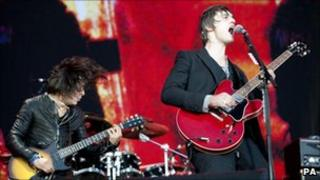 Carl Barat and Pete Doherty