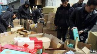 Chinese seizure of counterfeit cigarettes - 2005 file pic