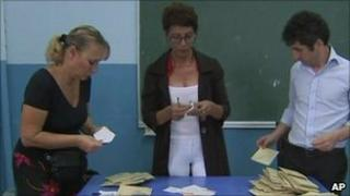 Counting, Istanbul polling station - 12 September 2010