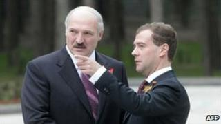 Belarussian President Alexander Lukashenko (left) alngside Russian President Dmitry Medvedev in Moscow, May 2010