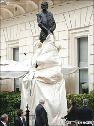 Sir Keith Park's statue being unveiled