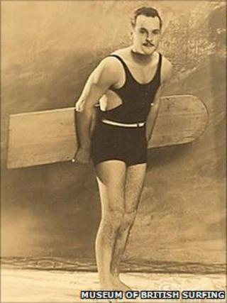 Surfer Jasper Reis in 1925
