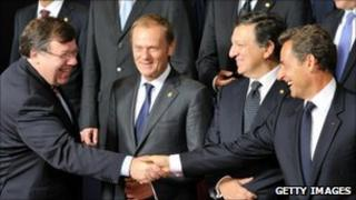 Irish Taoiseach Brian Cowen (left) shakes hands with French President Nicolas Sarkozy