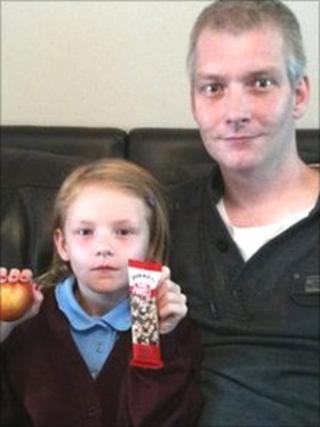 Darren Cooke and daughter Ella