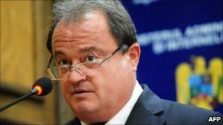 Vasile Blaga announces his resignation in Bucharest, Romania - 27 September 2010