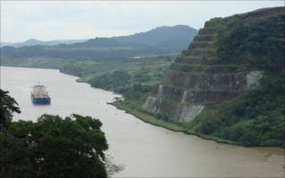 Panama Canal (Camilo Montanes, STRI)