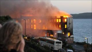 Royal Pier Hotel on fire 29 September 2010 - picture by Bob Turner