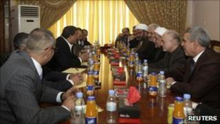 Members of the National Alliance agree the nomination of Nouri Maliki for PM (1 October 2010)