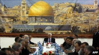 Palestinian President Mahmoud Abbas meeting PLO leaders - 2 Oct 2010, Ramallah