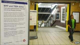 A sign announcing the Tube strike