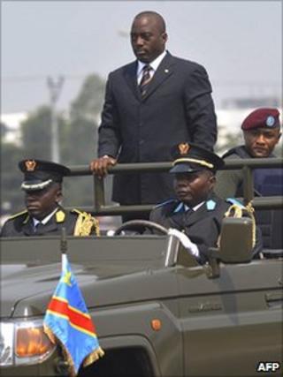 Joseph Kabila in his motorcade (file photo)