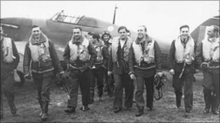 Pilots from No. 303 (Polish) Squadron (pic: Royal Air Force Museum)