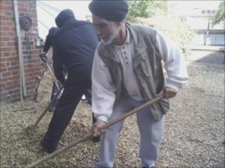 Sikh temple volunteers