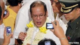 President Aquino arrives to give a speech in Manila 7 Oct 2010