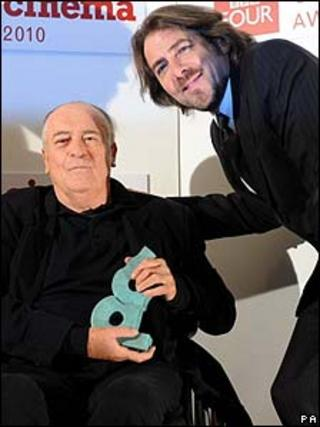 Bernardo Bertolucci (l) with Jonathan Ross