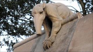 Anteater statue