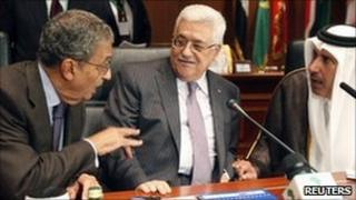 Amr Moussa, Secretary-General of the Arab League (L), Palestinian leader Mahmoud Abbas, and Qatari Foreign Minister Sheikh Hamad, at Sirte meeting, 8 October.