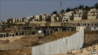 Construction work at the settlement of Har Gilo near Jerusalem (4 October 2010)