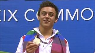 Tom Daley with Commonwealth gold medal