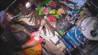 """Ron """"Bumblefoot"""" Thal and Frank Ferrer playing"""