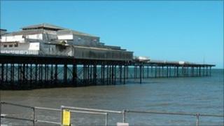 Colwyn Bay pier 2004