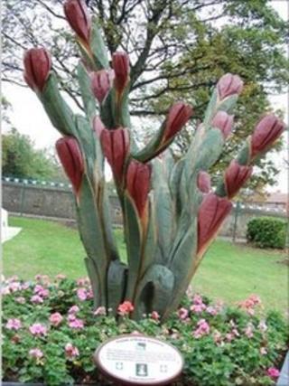 The tulip sculpture