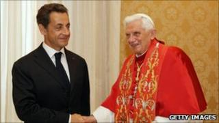 Pope Benedict XVI meets French President Nicolas Sarkozy at the Vatican (8 Oct 2010)
