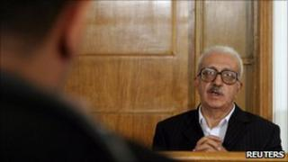 Iraq's former deputy prime minister Tariq Aziz appears before an Iraqi tribunal in Baghdad (file image from 2004)