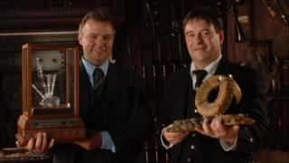 Winner Angus MacColl (right) with last year's winner Stuart Liddell