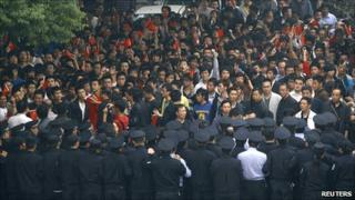 Chinese protest on 18 October in Wuhan over the Diaoyu/Senkaku island chain dispute
