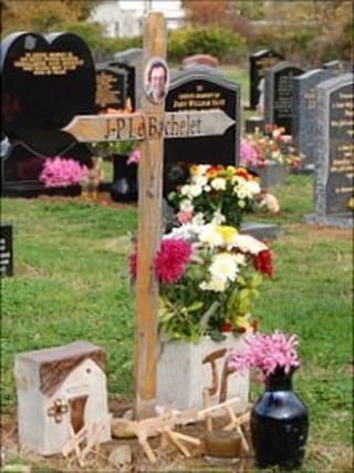 J-P Le Bachelet wooden cross in Vale cemetery
