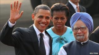 (From left to right): US President Barack Obama, Michelle Obama and Indian Prime Minister Manmohan Singh in Delhi