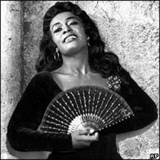 Shirley Verrett as Carmen
