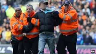 Police arrest man at Cardiff Swansea football game