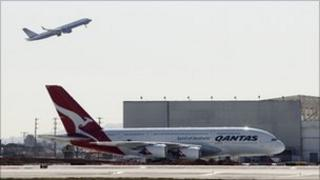 A Qantas A380 at Los Angeles International Airport (5 November 2010)
