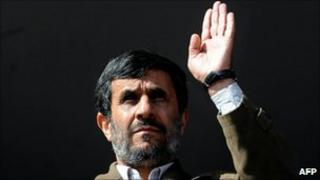 Iranian President Mahmoud Ahmadinejad at a rally in northern Iran (3 November 2010)